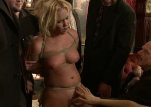 Stunning wench is unsanitary sexually in public