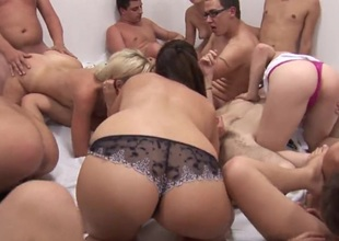 Amateur Squirt Orgasm at Swingers Party