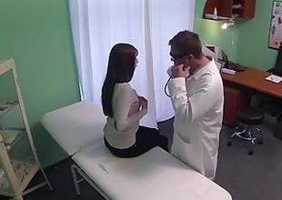 FakeHospital Juvenile woman with jaw-dropping body caught on camera getting fucked