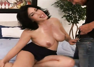 Vanessa James with round bottom and bald bush polishes Justin Magnums pulsating pole with her broken up