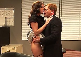 Evan Stone wants to drill dangerously horny Samantha Ryans juicy mouth forever