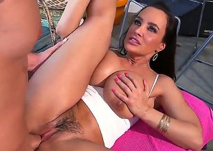 The woman, the legend, lisa ann porn! Her pecker handling skills are well known and she and her glorious pussy have been around for quite some time. This time, she lets her ass do the job