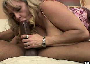 Chubby MILF Wanda can at no time get proper of a malignant meat ravaging