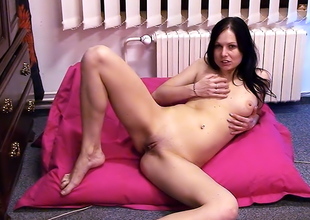 This Baby Likes To Tease And CumFor Voyeurs
