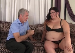 Bulky slut Wet Jazmynne riding a fat jock