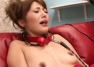 Mei Aso cant live a day without fingering her snatch