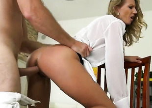 Blonde turns guy on before giving cock knead