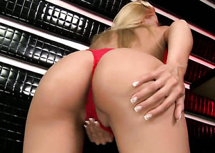 Blond Sophie Moone finds herself horny and takes sex toy in her pussy with desire