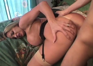 Jennifer Steele is a stacked milf on the prowl for a juvenile stud's penis