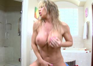 Bodacious milf Farrah Dahl fucked in the bathroom