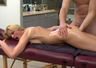 Hannah Harper is blond with an amazing figure. She loves schlong and that babe admires her sweet tits. What was suppose to start as a massage, leads into the shower where this dude rubs down her tits and gets her in horny mode. This guy fingers her wet pussy and rubs he