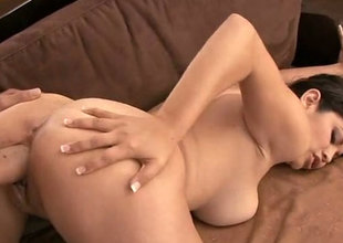 Exquisite and curvy brunette babe Evie Delatosso bangs in doggy position