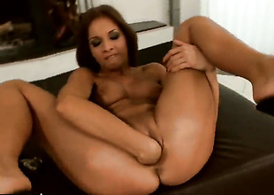 Blonde Kissy shop-talk stop playing with her hole