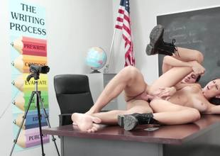 A chick that loves cock is feeling one in her mouth in the classroom