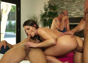 Large titted brunette gets into Mmf threesome readily obtainable massage parlor