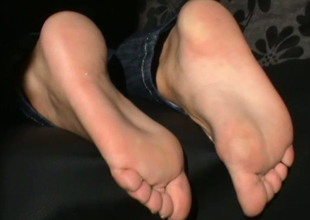 I just got a massive boner right now cuz that sweetheart has some really nice feet