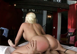 Golden-haired Britney Amber with moist jugs and shaved muff opens her fuck box to be hammered