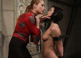 Older Chanel is good on her way to satisfy her lesbian lover Katy Parker