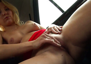 Blonde Lisa Hype has toy-hungry fuck hole