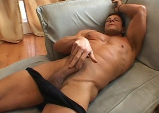 Jay Huntington a muscle dude who doing a great solo just for you!