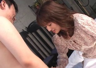 Experienced Japanese slim mom loves being fucked doggystyle