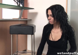 Masturbating chick uses the vacuum cleaner in her cunt