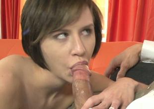 Sweet brunette gal Kelly Klass pleases David Loso and Tommy Gunn