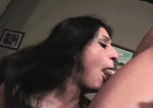 Flavourful Lopez lets man put his boner in her mouth
