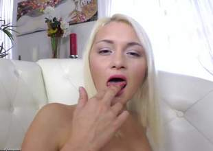 Yet some other one of 'em hot blondes and this babe unconditionally likes some anal pounding. For this comme ci bibmbo, its the first time having anal so give her a round of commendation for encouragement