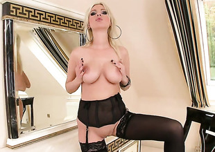 Blond Alexis makes no secret of her love box and jugs