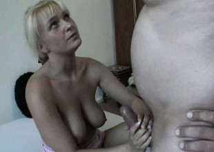 Busty chick opens her snatch with toys previous to sucking a real one